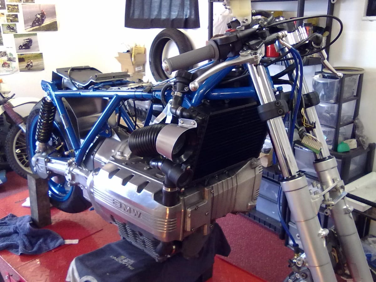 BMW K100 road legal race replica (11)