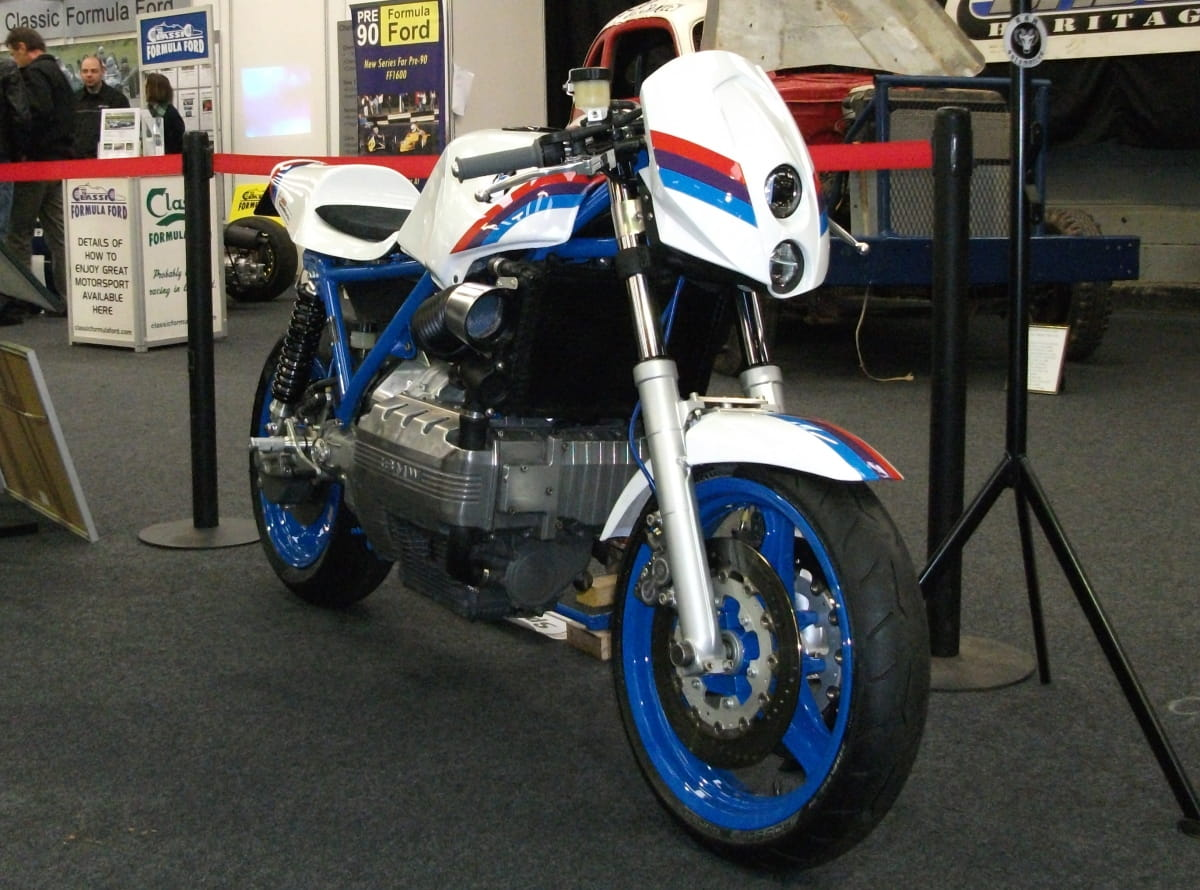 BMW K100 road legal race replica (17)
