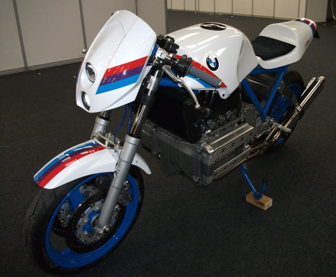 BMW K100 road legal race replica (3)